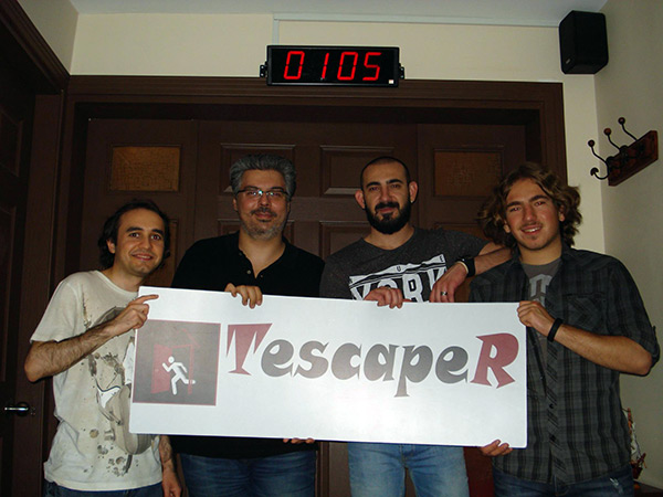 Takım: Selim (PCnet), Mahmut (CHIP), Ercan (CHIP Online), Ercan'ın kardeşi